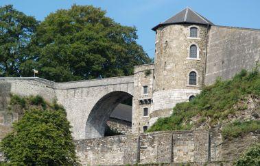 Wandelen op de Citadel van Namen-Promenades pédestres balisées tot Provincie Namen