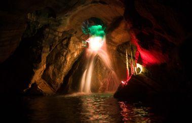 Grotten van Neptunus-Grottes tot Provincie Henegouwen