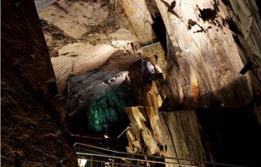 Schieferstollen-Grottes tot Provincie Luik