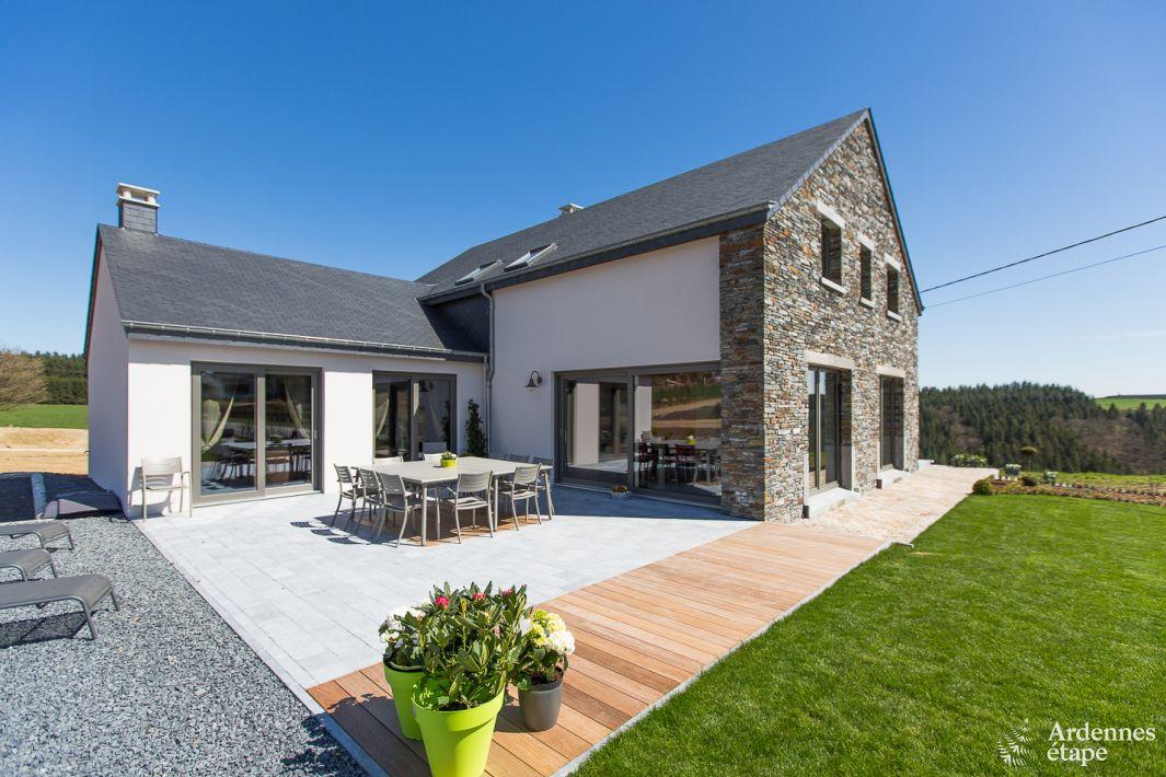 vakantiehuis voor 12 personen met sauna en subliem terras in bouillon. Black Bedroom Furniture Sets. Home Design Ideas