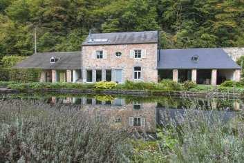 Modern vakantiehuis voor 7 personen in Dinant in een kasteelvleugel