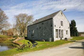 Charmant vakantiehuisje op de boerderij met grote tuin bij Dinant, in de Ardennen