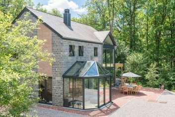 Prachtige moderne villa voor 8 personen aan de rand van de golf van Durbuy.
