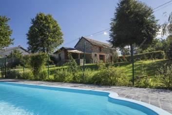 Vakantiehuis met zwembad voor een familieverblijf in Gouvy