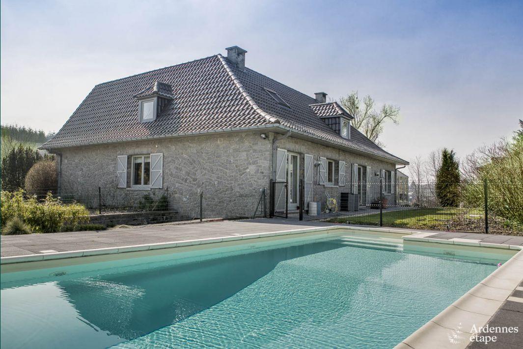 Luxevilla voor 9 personen met zwembad in de tuin te huur for Villa met zwembad te huur