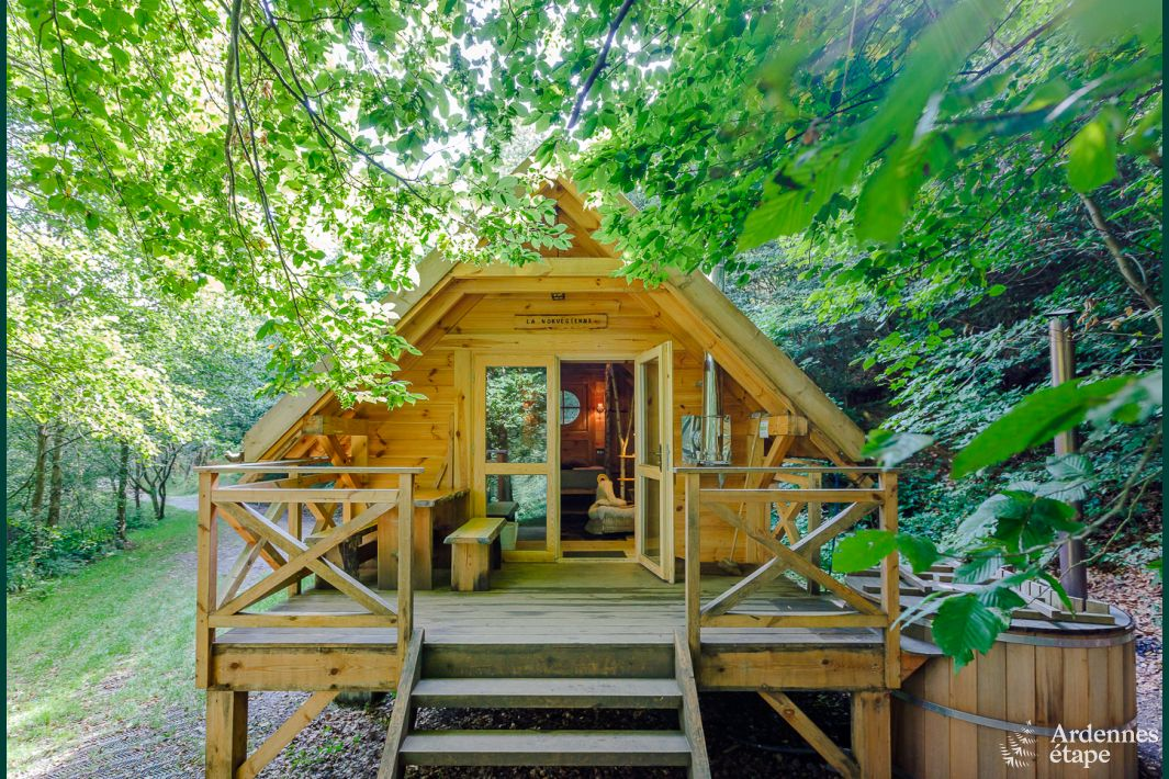 Onvergetelijke chalet in houffalize voor 2 personen om te for Huisje met sauna en jacuzzi 2 personen