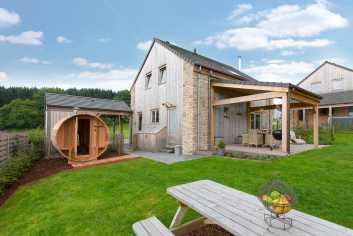 Leuk, modern 4-sterren vakantiechalet met sauna te huur in La Roche