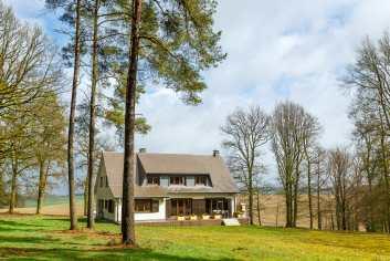 Luxueuze 4-sterren villa voor 9 personen te huur nabij La Roche