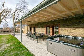 Vakantiehuis in de buurt van La Roche voor 6/8 personen met jacuzzi