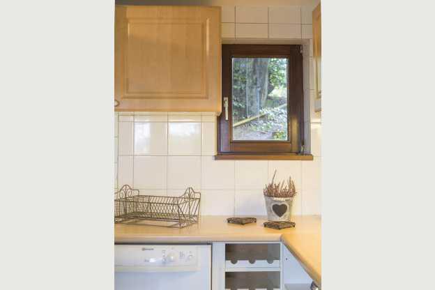 Moderne en luxueuze chalet met knap uitzicht voor 8 personen in malmedy - Moderne chalet keuken ...