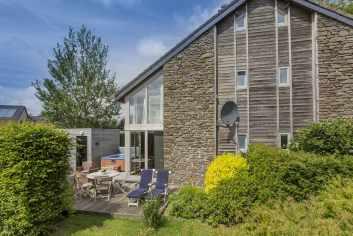 Comfortabel vakantiehuis met wellnessruimte en tuin te huur in Ovifat