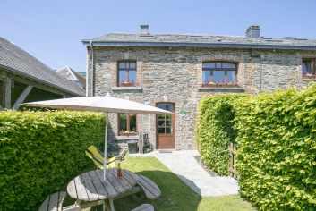 Luxueus vakantiehuis in oude hoeve te huur voor 6/8 personen in Paliseul
