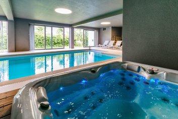 Luxevillain Spa met binnenzwembad en uitzicht, voor 9 personen in de Ardennen
