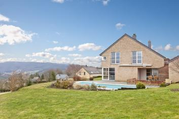 Vakantiehuis met zwembad in tuin voor 8 personen te huur in Trois-Ponts