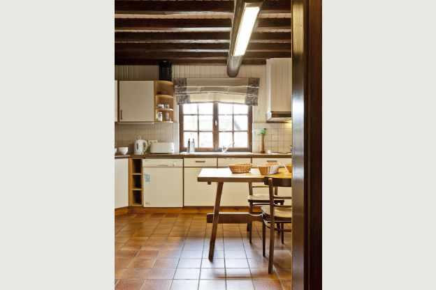 Chalet met verrukkelijk uitzicht voor groepen in xhoffraix hond welkom - Keuken voor chalet ...
